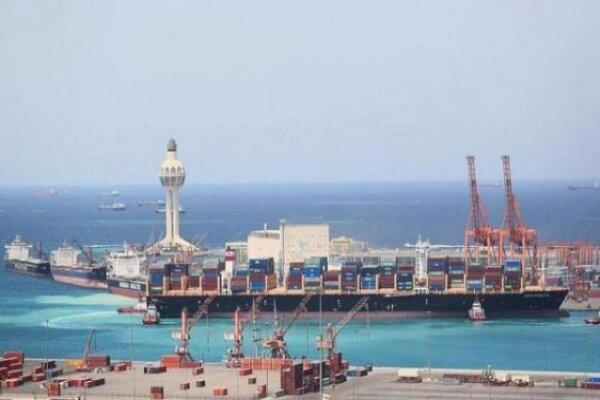 ریاض حمله به نفتکش در بندر جده با قایق بمب گذاری شده را تایید کرد