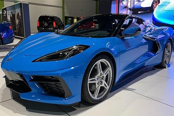 تصویر شورلت Corvette C8 مدل 2021 لو رفت