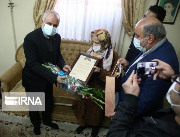 خبرنگاران معاون رییس جمهوری با خانوادهای شهدا و ایثارگران مازندران دیدار کرد