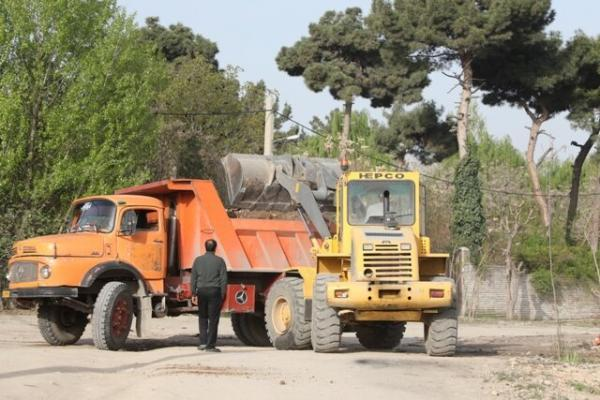 ساماندهی و پاکسازی جداره بزرگراه شهید یاسینی در منطقه 13