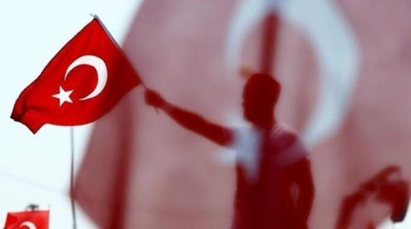 بازداشت یک دریادار مخالف خروج ترکیه از کنوانسیون مونترو